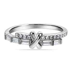 Prsten SILVERINO se zirkony 7794