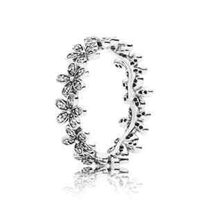 Prsten PANDORA Oslňující sedmikráska